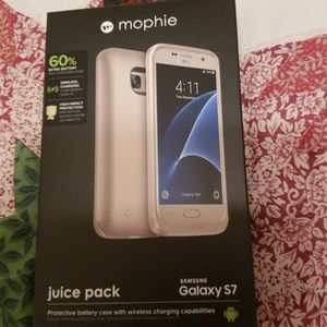 S7 MOPHIE CASE, BATTERY CASE AN BRAND NEW.